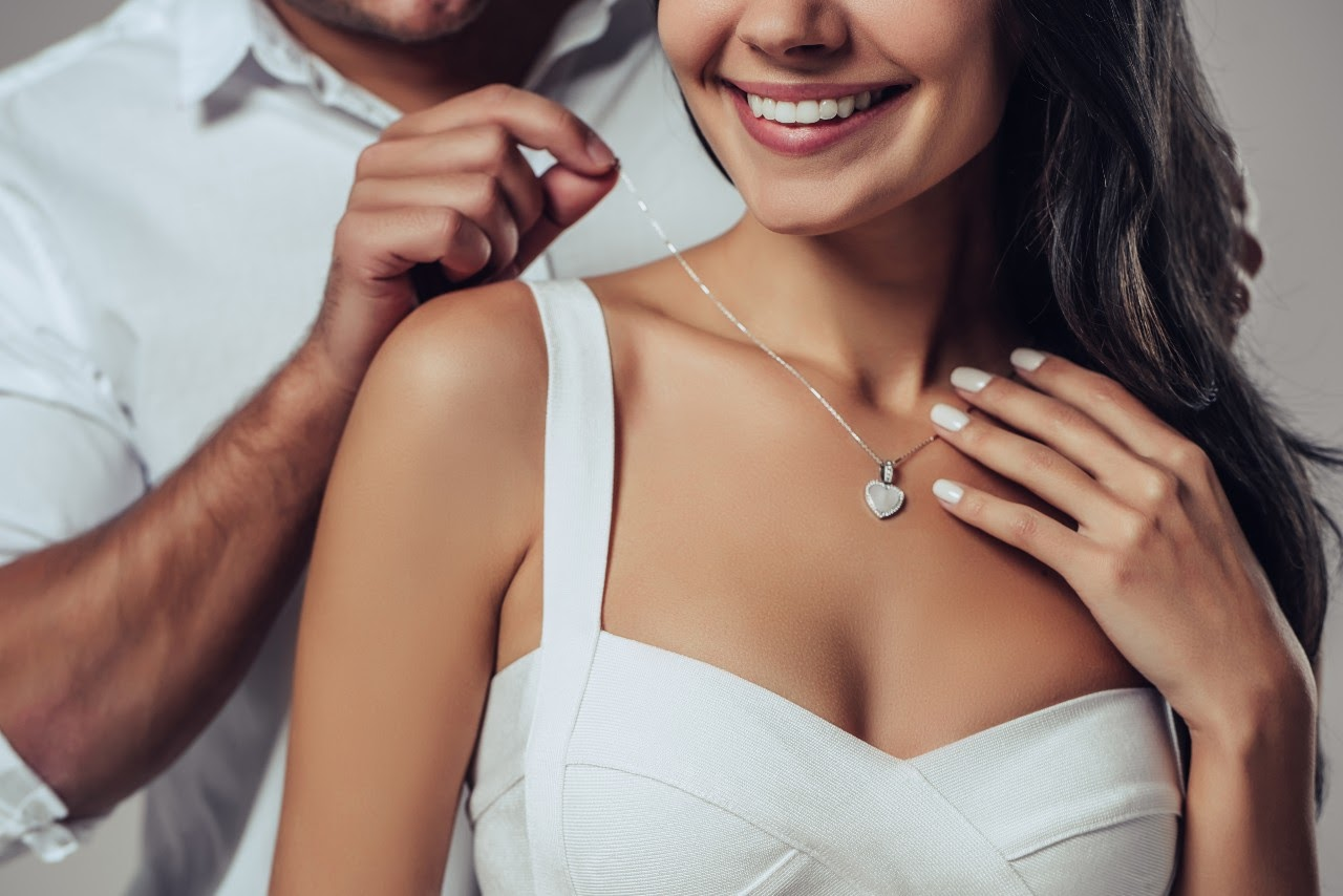 Fall in Love with These Romantic Jewelry Styles With Special Meaning